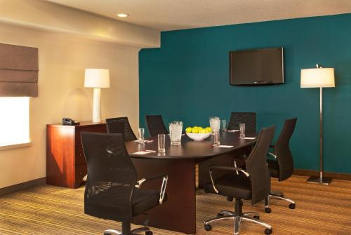 Residence Inn Tysons Corner Photo