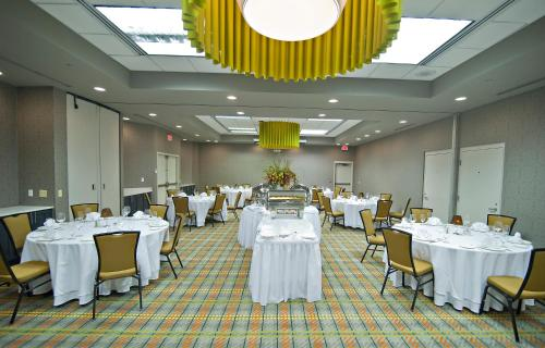 DoubleTree by Hilton Huntsville-South Photo