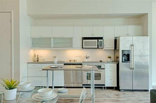 Little Italy Apartment - San Diego, CA 92101