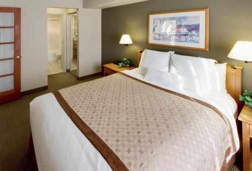 Hawthorn Suites - Seattle South/Kent - Kent, WA 98032