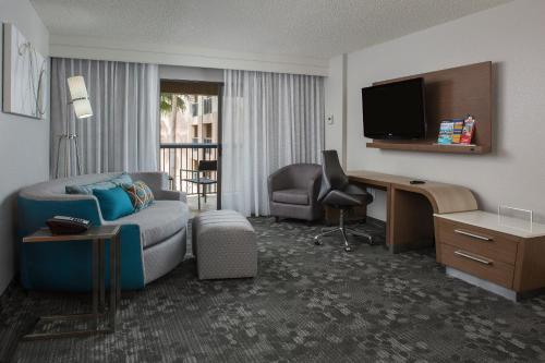 Courtyard by Marriott Orlando Lake Buena Vista in the Marriott Village photo 27