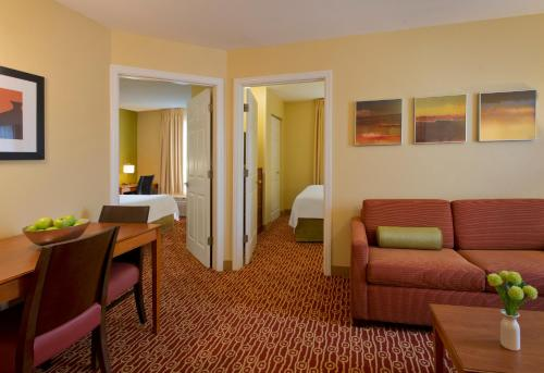 TownePlace Suites By Marriott Cincinnati Blue Ash Photo