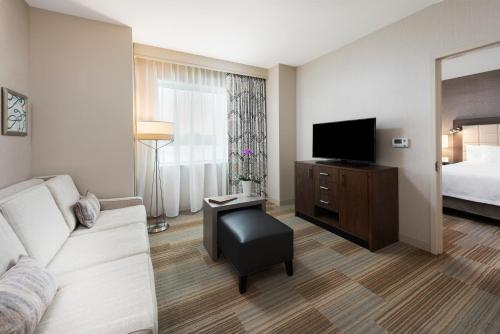 Homewood Suites by Hilton Miami Dolphin Mall - Miami, FL 33172