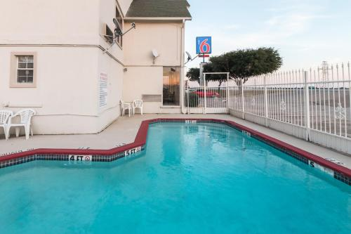 Motel 6 Fort Worth - West Freeway Photo
