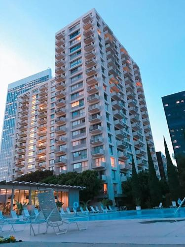 Century Home In Beverly Hills - Los Angeles, CA 90067