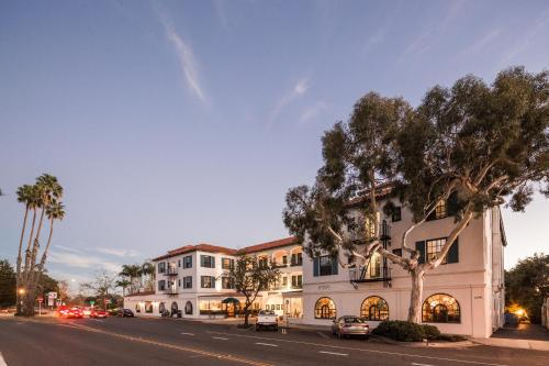 Montecito Inn Photo