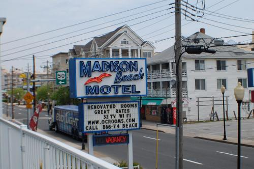 Madison Beach Motel Photo