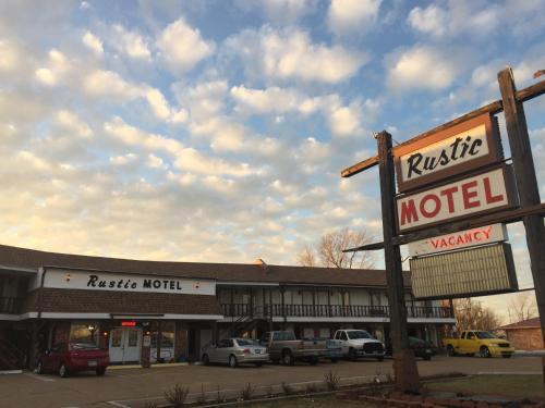 Rustic Motel Rolla Photo