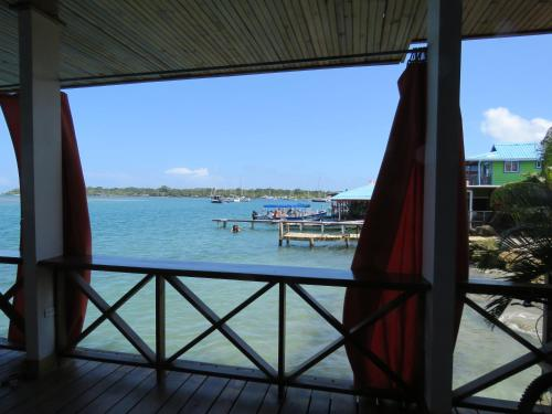 Hostel Mamallena Bocas del Toro Photo