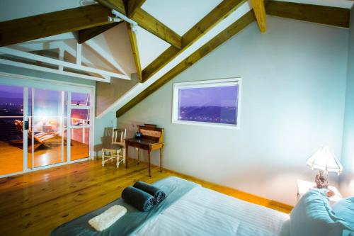 Four Seasons Guesthouse Photo