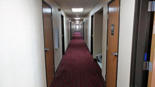 Red Carpet Inn - Windom Photo