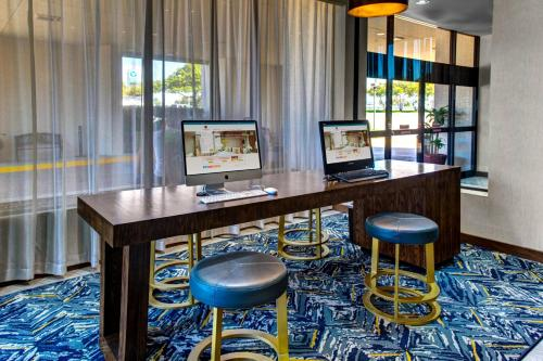 Doubletree by Hilton Arlington DFW South Photo