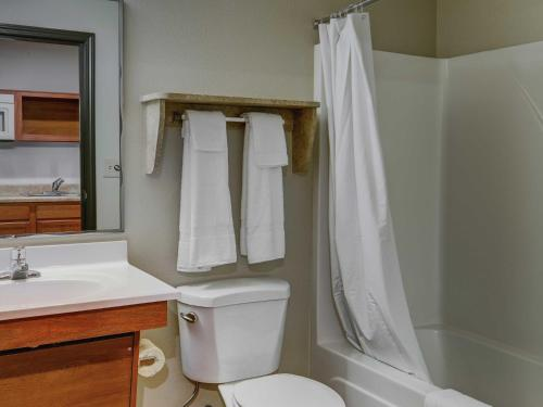 WoodSpring Suites Greenville Photo