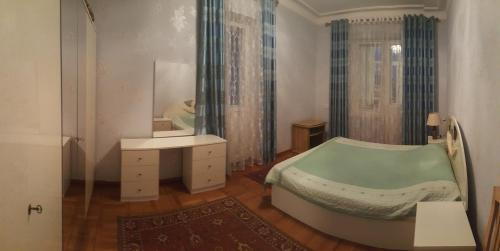 Private apartment with the garden, Dushanbe