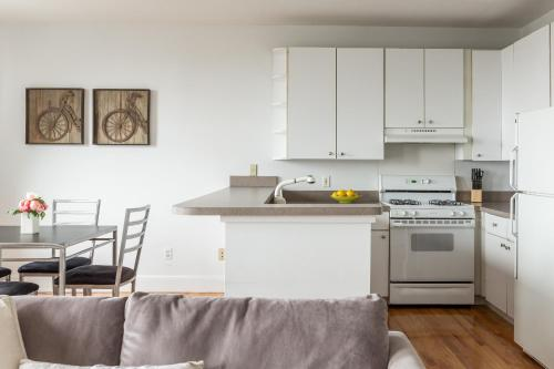 One-Bedroom on Boylston Street Apt 11 Photo