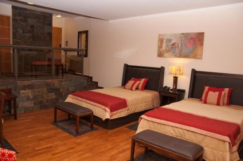 Tagore Suites Hotel Photo
