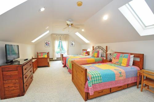 Sunrise Four-Bedroom Holiday Home Photo