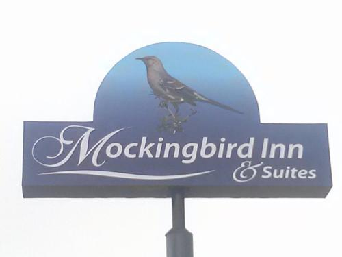 Mockingbird Inn & Suites - Monroeville, AL 36460