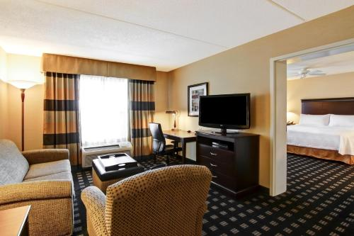 Homewood Suites by Hilton Toronto Airport Corporate Centre Photo