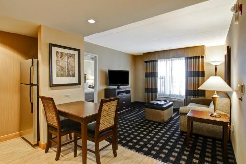 Homewood Suites by Hilton Toronto Airport Corporate Centre photo 19