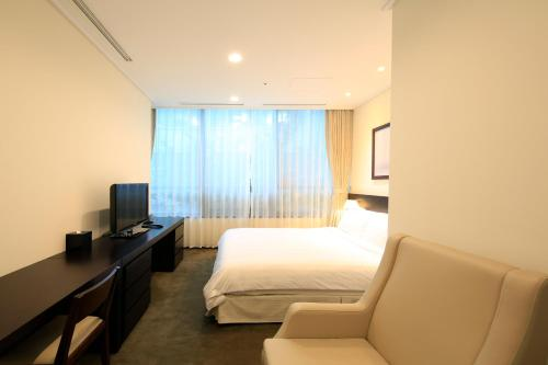Orakai Insadong Suites photo 33