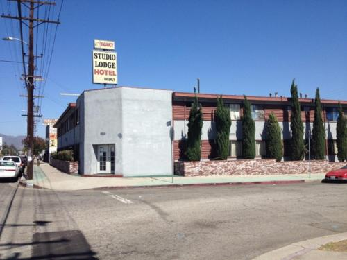 Studio Lodge Hotel - North Hollywood, CA 91605