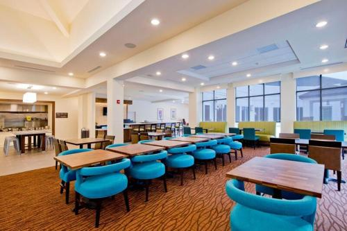 Hilton Garden Inn Martinsburg Photo
