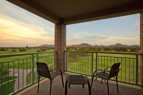 Embassy Suites Phoenix - Scottsdale photo 13