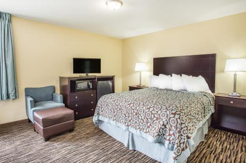 Days Inn Evansdale Waterloo