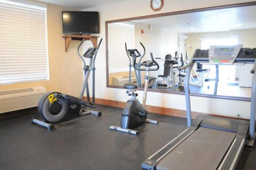Best Western Plus John Jay Inn & Suites Photo