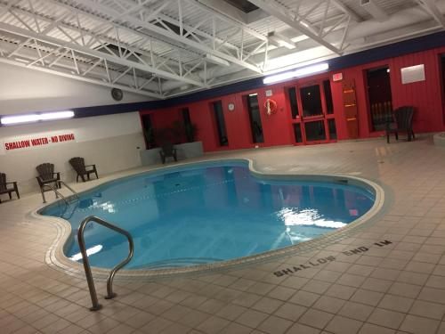 Canadas Best Value Inn Welland - Welland, ON L3C 1M6