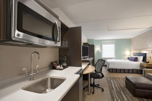 Home2 Suites By Hilton Philadelphia Convention Center photo