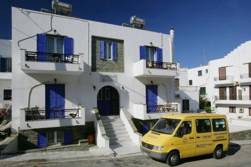Soula Rooms in tinos - 0 star hotel