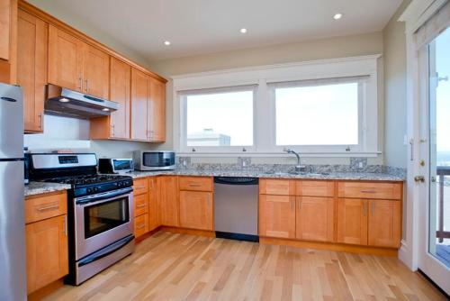 3 Bedroom Fisherman's Wharf Flat by Ghiardelli Square 884 - San Francisco, CA 94109