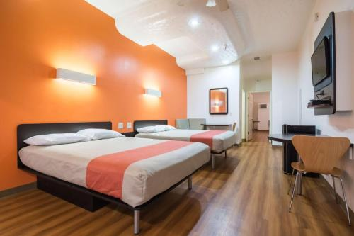 global hotels and motels