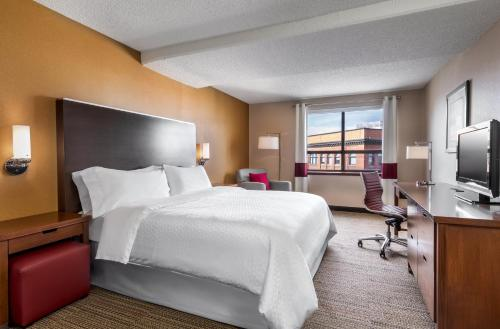 Four Points by Sheraton Kingston Photo