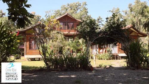 Kenaki Lodge Photo