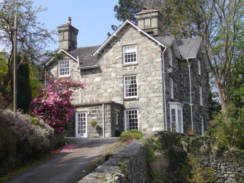Photo of Bryn Mair House Hotel Bed and Breakfast Accommodation in Dolgellau Gwynedd
