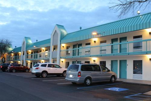 Best Western Plus Seaway Inn Photo