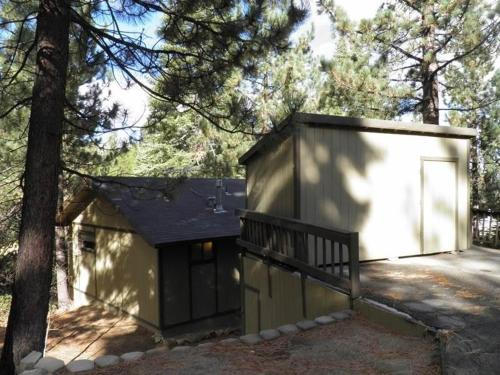 1418 Skyline Three-Bedroom Cabin - South Lake Tahoe, CA 96150
