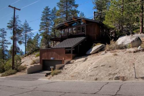 4017 Saddle Four-Bedroom House - Lake Tahoe, CA 96150