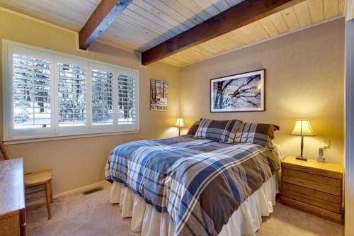 3710 Needle Peak Rockwell Three-Bedroom Cabin - South Lake Tahoe, CA 96150