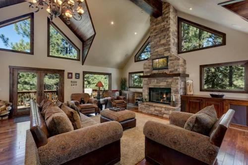 2381 Sutter Mountain Four-Bedroom Retreat - South Lake Tahoe, CA 96150