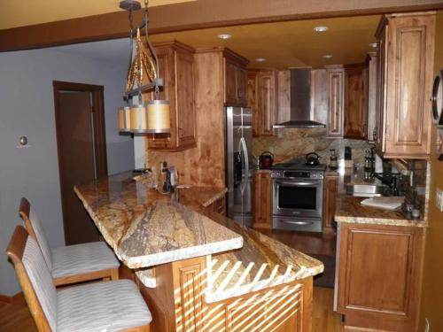 584 Alpine Mountain Four-Bedroom House - Lake Tahoe, CA 96150