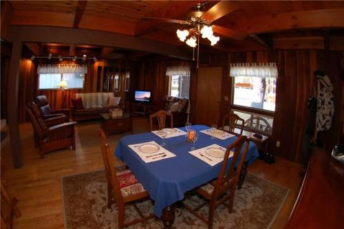 1028 Silverwood Three-Bedroom House - South Lake Tahoe, CA 96150
