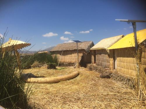 Uros Suma Suyawi Lodge Photo