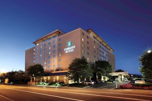 Embassy Suites Charleston Photo