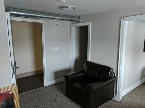 StoveWorks One Bedroom Suite Photo