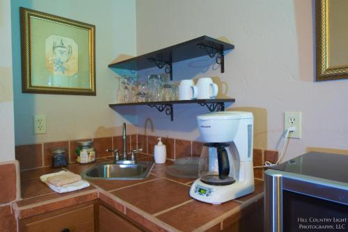 Lazy T Bed and Breakfast - Fredericksburg, TX 78624