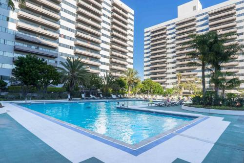 Barrington Apartment A3620 In Los Angeles Ca Free Internet Swimming Pool Outdoor Pool